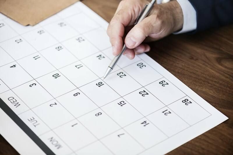 引っ越しは何日前に業者に依頼するのがベター?